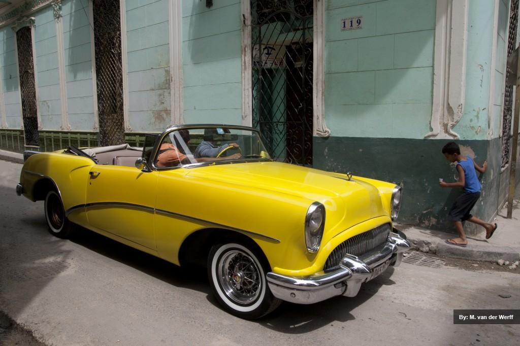 Yellow cab in Havana